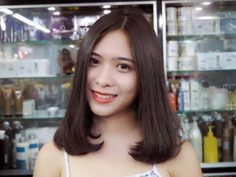 tóc uốn ngang vai