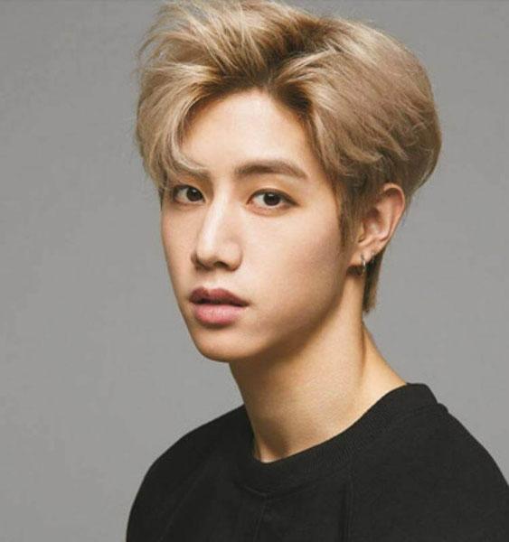 7 kiểu tóc nam mặt tròn, phù hợp và sành điệu nhất cho phái mạnh 1
