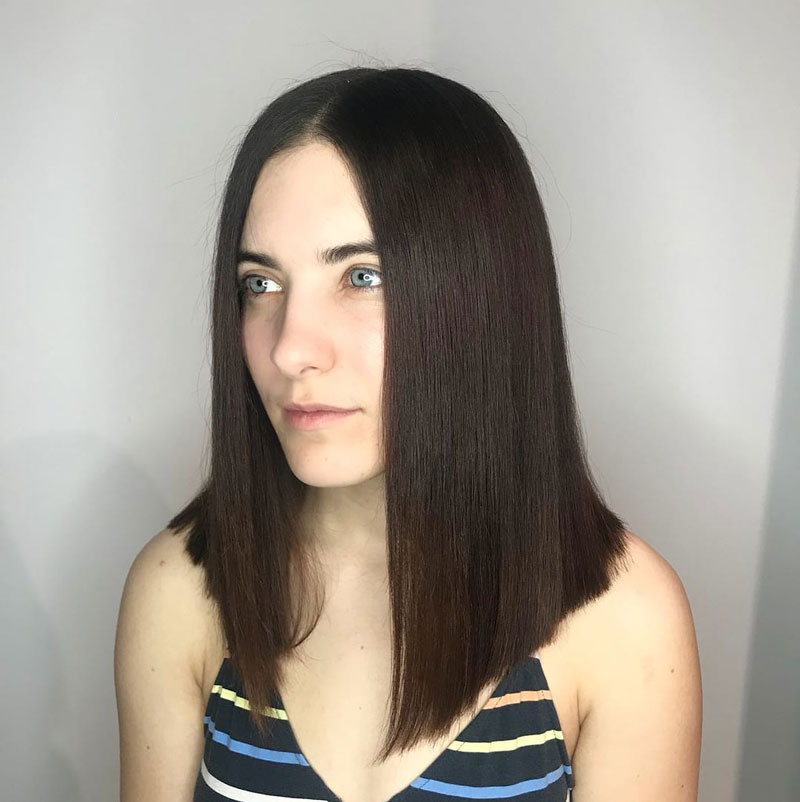 tóc duỗi thẳng ngang vai