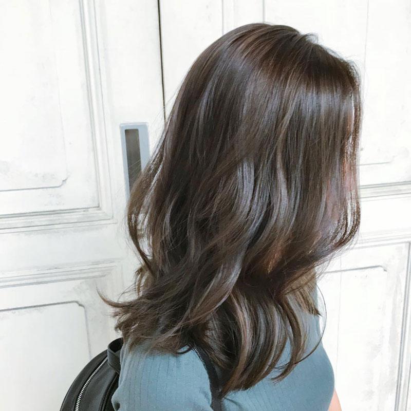 màu tóc nâu tây