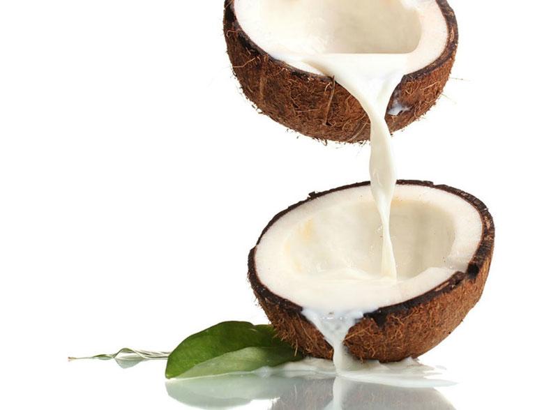cách dưỡng tóc uốn bằng dầu dừa
